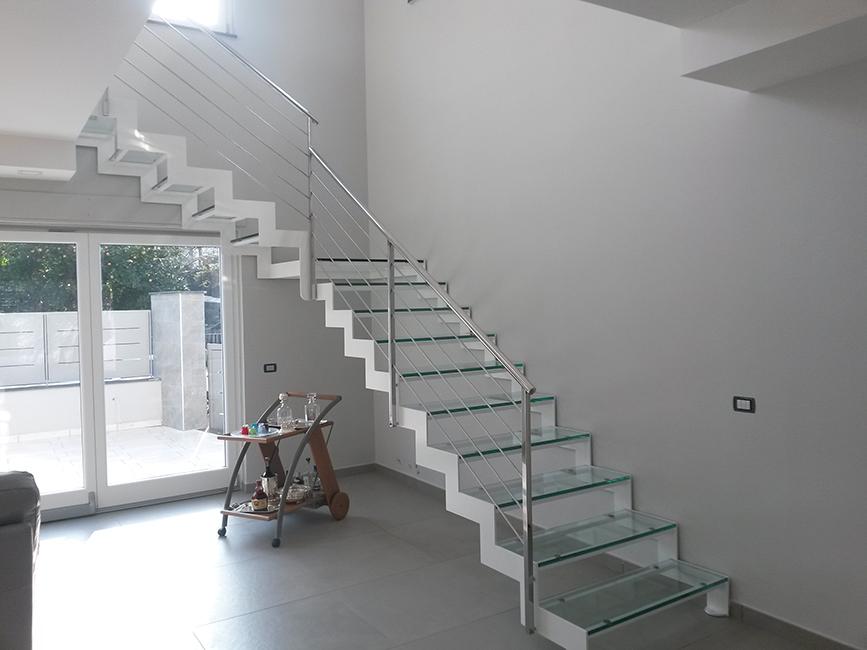 Scale acciaio inox su misura interne con parapetto vetro - Scale ad angolo ...