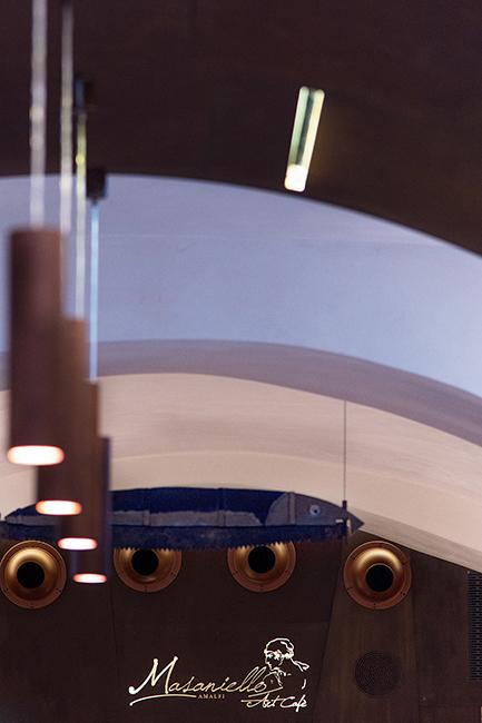 Arredamento negozi franchising contract lavorazione metalli su misura