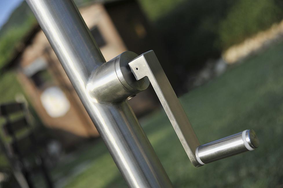 Playground furniture manufacturer - custom outdoor metal furnishings Arredo outdoor urbano acciaio arredo giardini, arredo terrazzi, cancelli sistemi illuminazione dissuasori bacheche ombrelloni