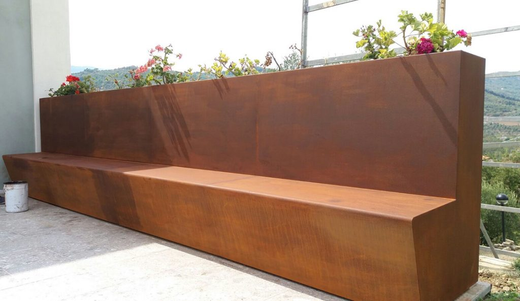 Corten furniture exclusive and custom design for luxury homes and villas - Arredamento esterni ville ed hotel di lusso in acciaio e metalli su misura