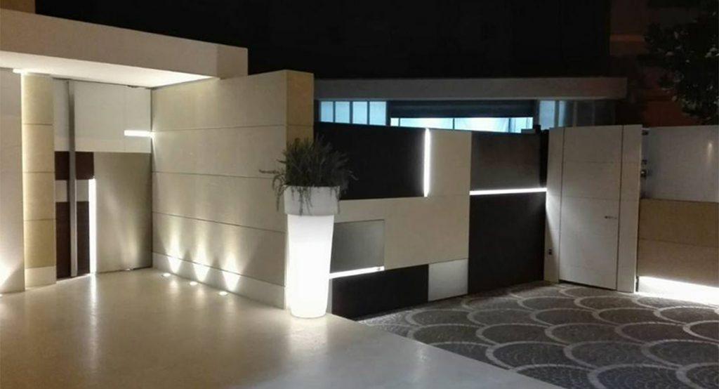 Arredamento esterni ville ed hotel di lusso in acciaio e for Arredamento outdoor design