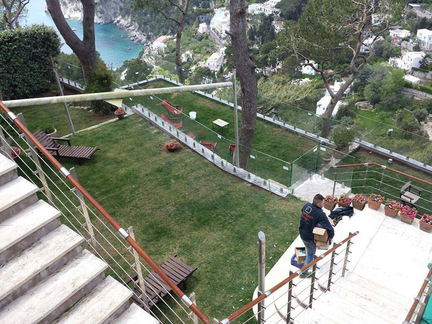 Arredamento outdoor di lusso - Arredo outdoor per ville, dimore, resort e hotel - Parapetti acciaio su misura