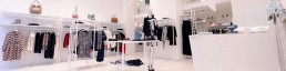 Retail furniture - Fashion and Clothing stores racks, signage and fixtures - Arredamento negozi franchising contract lavorazione metalli su misura