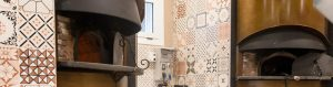custom furnishing solutions for pizzerias, restaurants, and bar/cafés - Arredamento pizzerie negozi franchising contract in metallo su misura