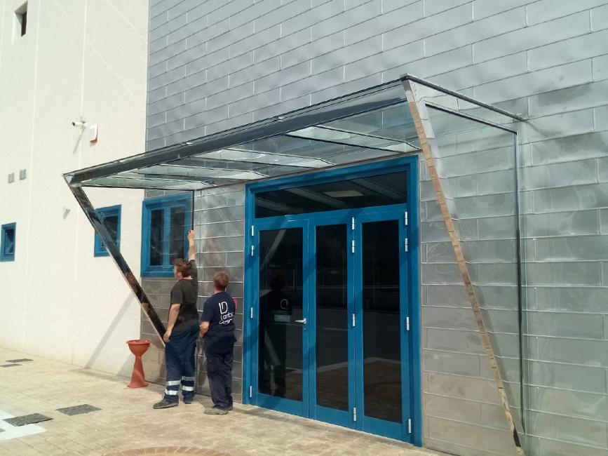 Pensiline acciaio lucido, vetro stratificato e temperato - Lamberti Design Outdoor