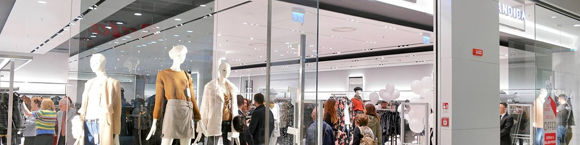 Lamberti Design specializes in contract furnishing projects. Our team engineered, produced and installed the entire store of Candida fashion brand in Italy - Arredamento contract in acciaio e metalli per il brand Candida - Lamberti Design - Arredamento contract in acciaio e metalli per il brand Candida - Lamberti Design