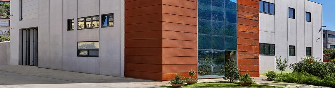 Outdoor furniture - Builing staircase facades covered with Corten Steel - Elementi d'arredo Corten outdoor - Progettazione e realizzazione Lamberti Design