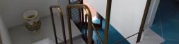 Brass handrail with warm pinkish tones for luxury design staircases made in Italy - Balaustra ottone rosato - Progettazione e realizzazione arredamento in metallo